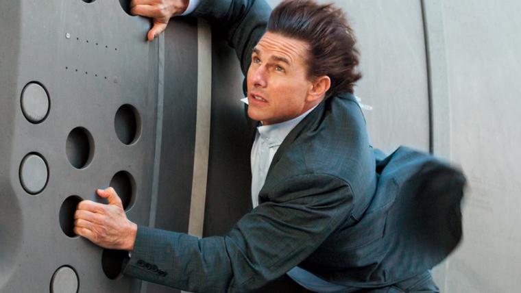 Tom Cruise pilota helicóptero em novo vídeo do set de Missão: Impossível – Efeito Fallout