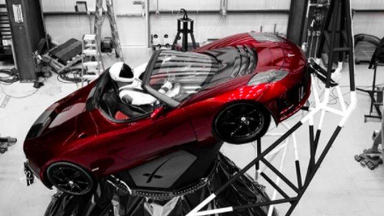 O Tesla Roadster enviado para o espaço deve ficar irreconhecível em pouco tempo