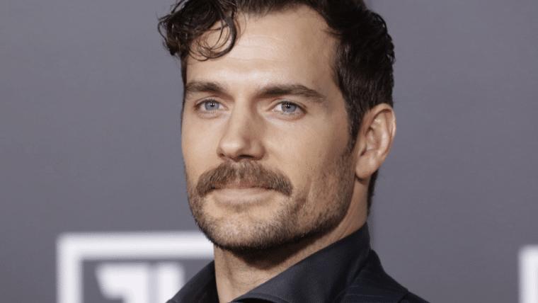 Dublador oficial de Superman zoa vídeo de Henry Cavill anunciando o fim de seu bigode