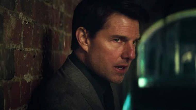 Tom Cruise desafia a gravidade em foto de Missão: Impossível – Efeito Fallout