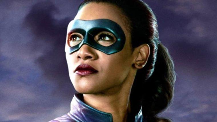 The Flash | Iris West exibe seu traje de super-heroína em novas imagens