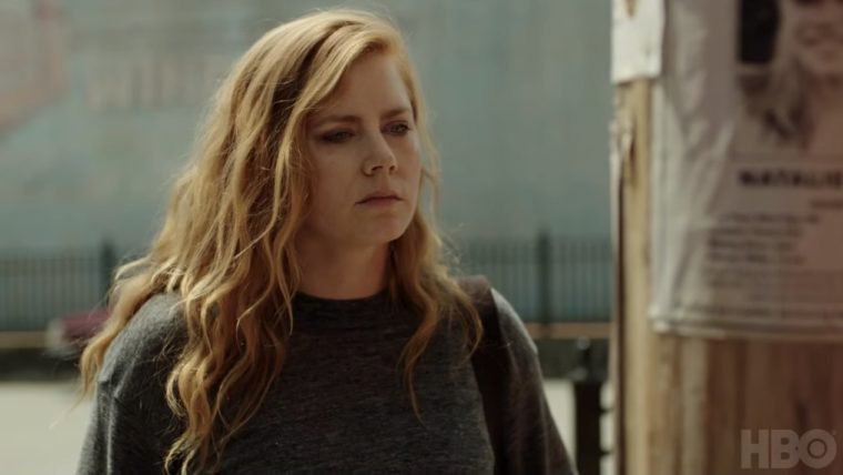 Amy Adams é assombrada pelo passado em trailer de Sharp Objects