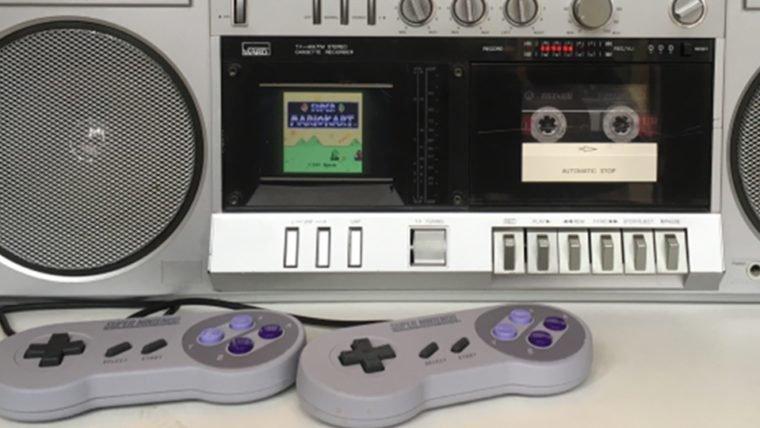 Alguém transformou uma caixa de som antiga em um SNES!