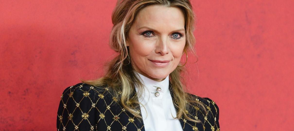 Michelle Pfeiffer pode entrar para o elenco de Malévola 2
