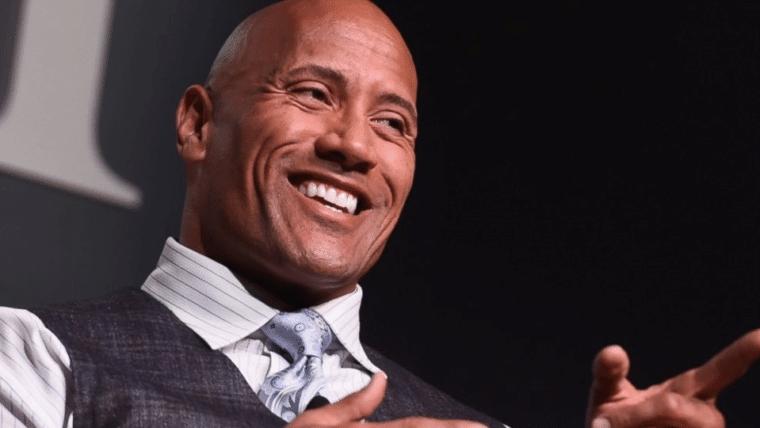 The Rock desiste de concorrer à presidência e diz que pessoas com experiência devem assumir
