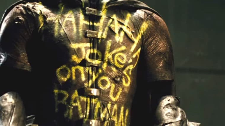 Zack Snyder sugere que uniforme de Robin em Batman vs Superman é de Dick Grayson