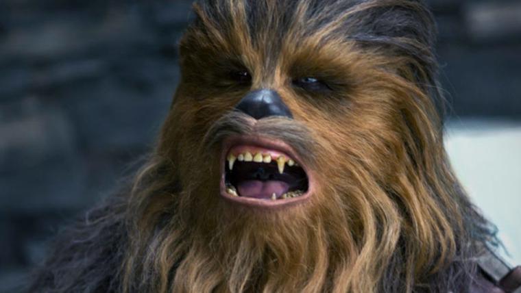 Ator do Chewbacca zoa a altura dos hobbits de O Senhor dos Anéis; veja a foto!