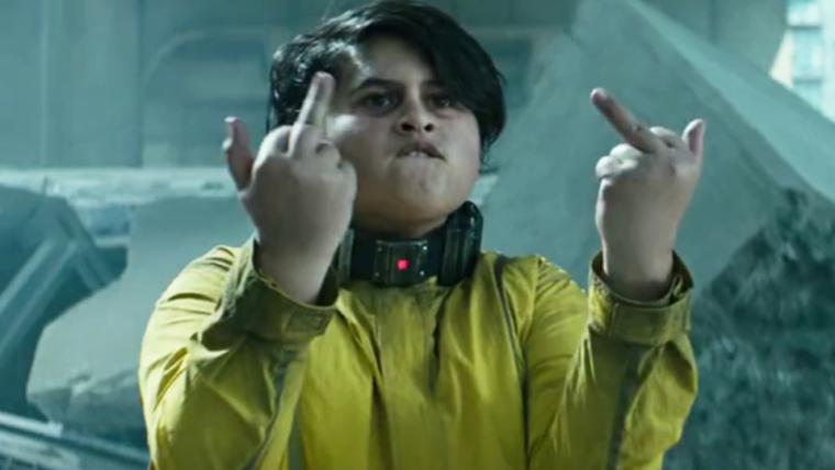 Ator do Russel é jovem demais para conferir Deadpool 2 nos cinemas
