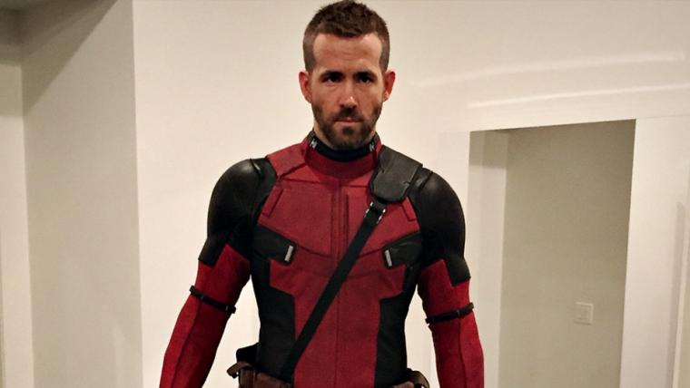 Ryan Reynolds mostra foto da primeira vez que vestiu traje de Deadpool