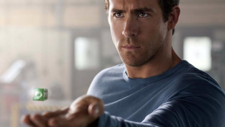 Ryan Reynolds zoa o pedido da Warner para ele devolver o anel do Lanterna Verde