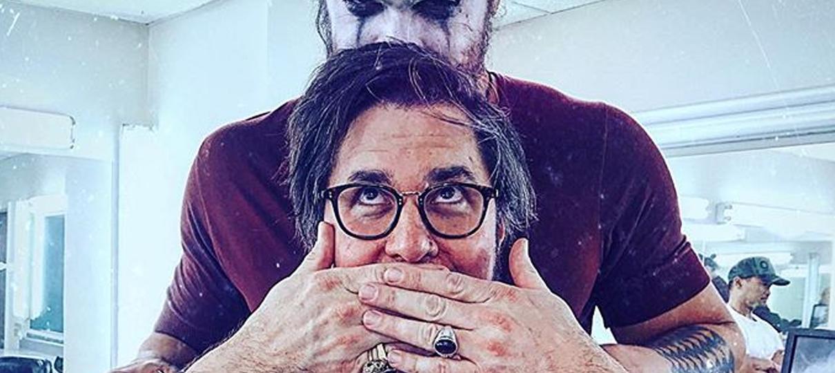 Diretor de reboot de O Corvo publica foto com Jason Momoa caracterizado