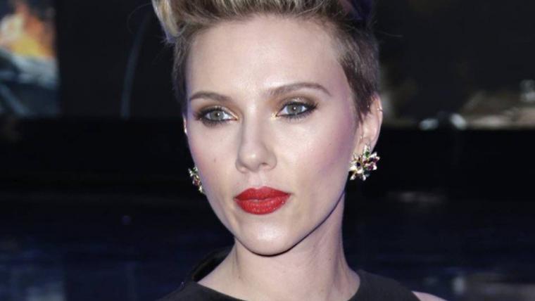 Scarlett Johansson desiste de interpretar homem trans em Rub & Tug após críticas