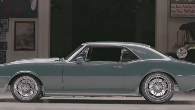 Robert Downey Jr. deu um carro customizado do Capitão América para Chris Evans