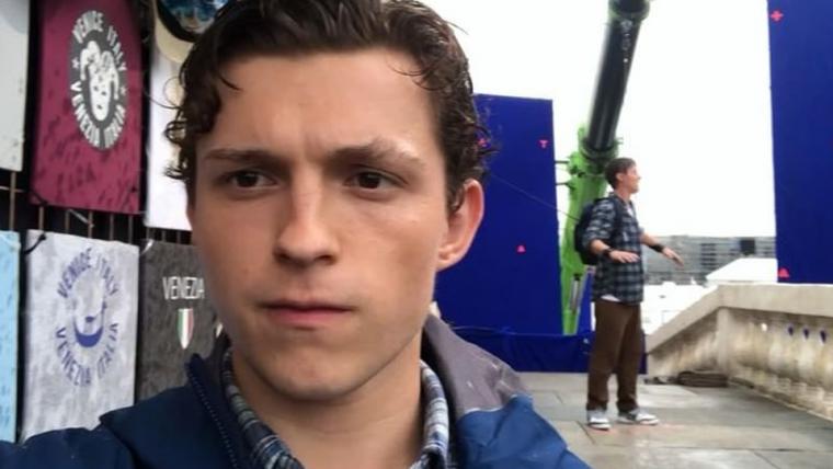 Peter Parker está em Veneza no novo vídeo de bastidores de Homem-Aranha: Longe de Casa