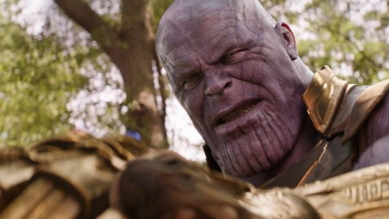 Diretores comentam sobre dano que a Manopla do Infinito causou no braço de Thanos