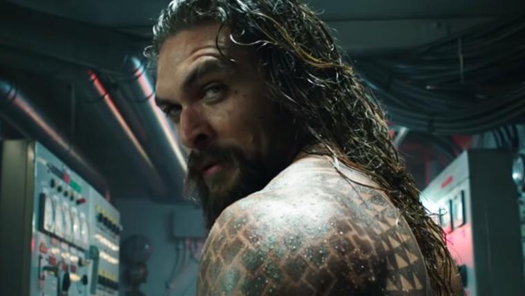 Aquaman empunha o tridente em novo cartaz do filme