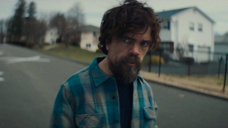 Peter Dinklage se livra de cadáveres em trailer de I Think We're Alone Now