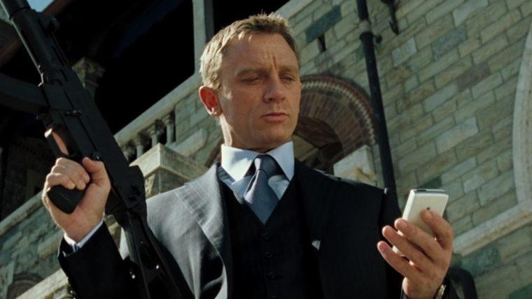 007 | Neal Purvis e Robert Wade devem ser os novos roteiristas de Bond 25