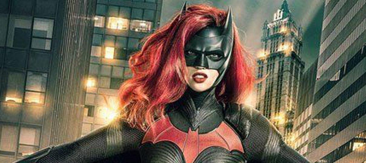 Ruby Rose aparece como Batwoman em imagem do crossover das séries da DC