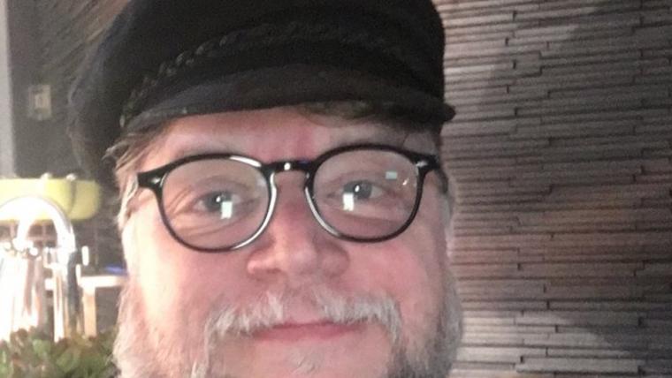 Guillermo del Toro faz cosplay de George R. R. Martin