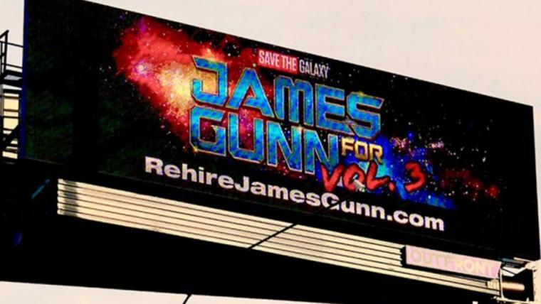 Outdoor pedindo pela recontratação de James Gunn é colocado próximo dos parques da Disney