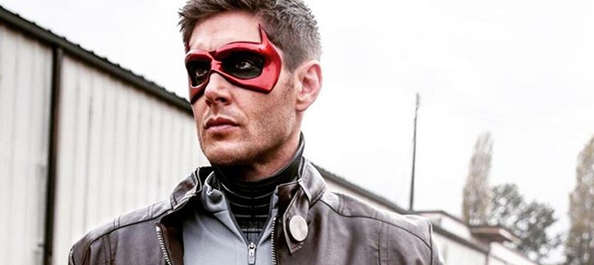 Jensen Ackles se veste de Capuz Vermelho para o Halloween