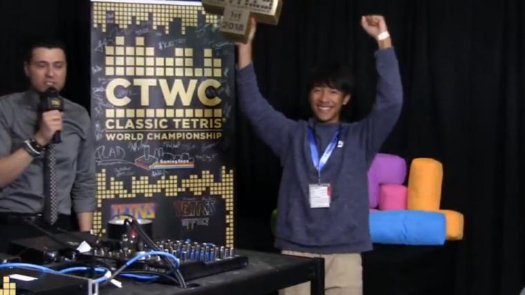 Jovem de 16 anos vence campeonato mundial de Tetris clássico