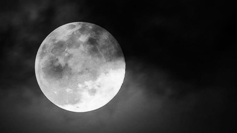 China planeja lançar luas artificiais ao espaço para iluminar cidades