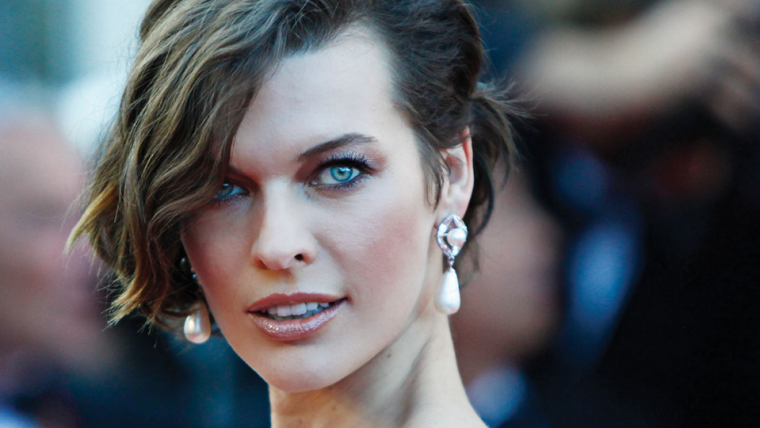 Milla Jovovich publica primeiras fotos do set de Monster Hunter