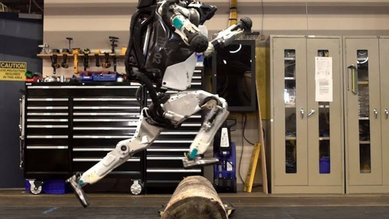 Robô da Boston Dynamics faz parkour em vídeo