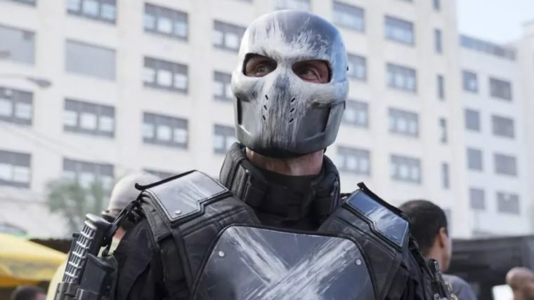 """""""Não confirmei nada"""", diz ator de Ossos Cruzados sobre Vingadores 4"""