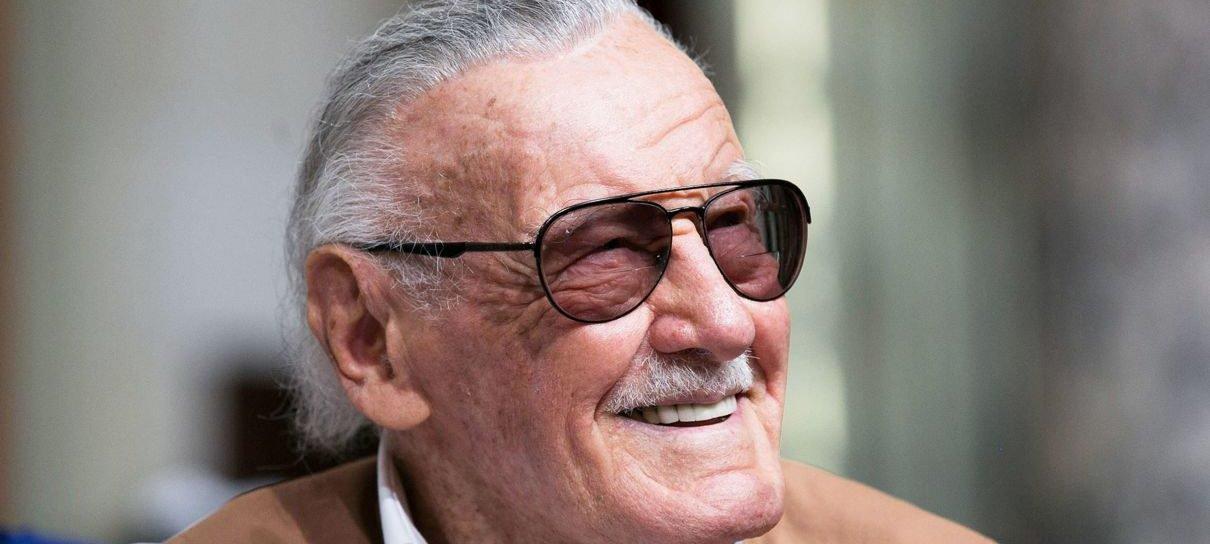 Stan Lee se sentia sortudo por ter fãs que se importavam com ele