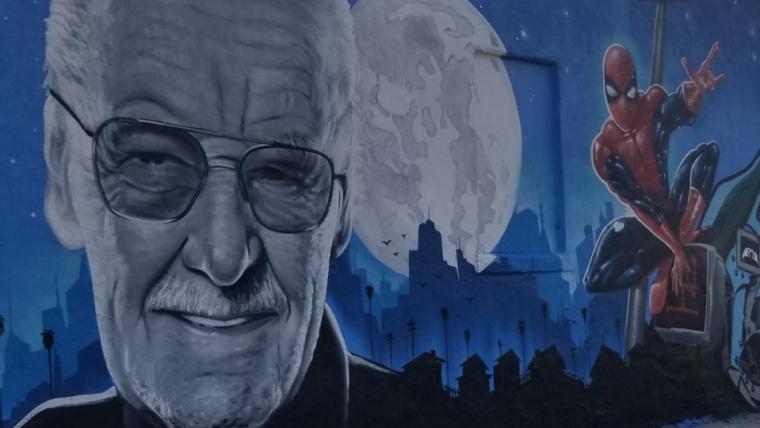 Stan Lee ganha mural com grafitti em Los Angeles
