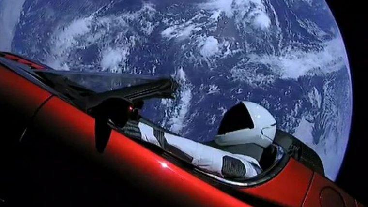 SpaceX | O Starman ultrapassou a órbita de Marte