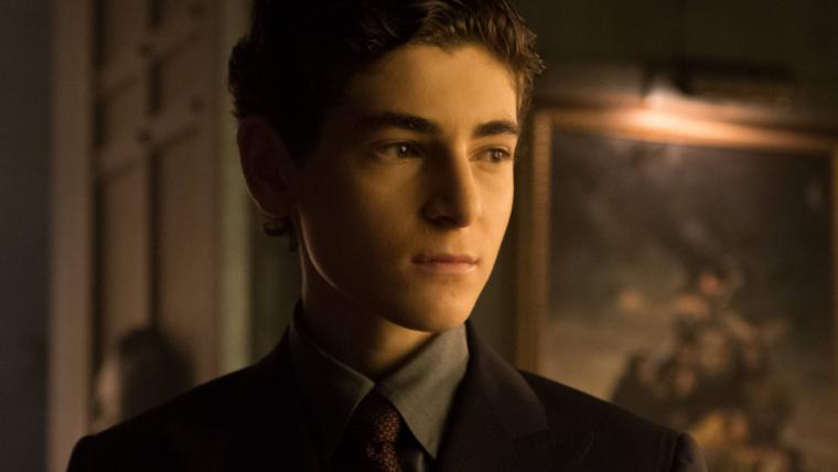 Bruce Wayne é destacado em novos teasers de Gotham