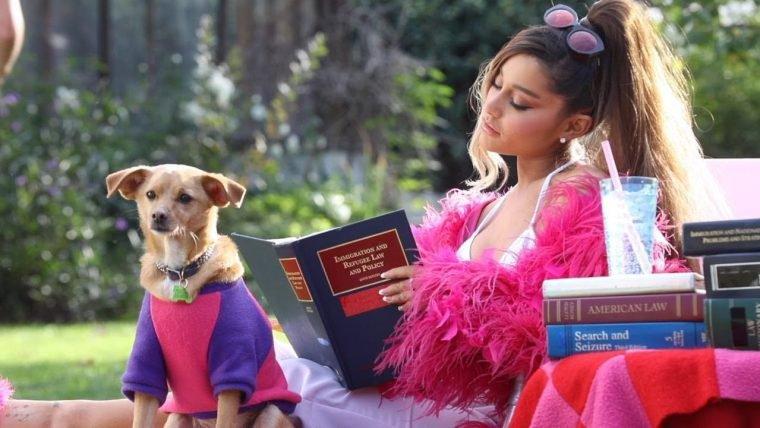 Thank U, Next, novo clipe de Ariana Grande, traz referências a filmes dos anos 2000