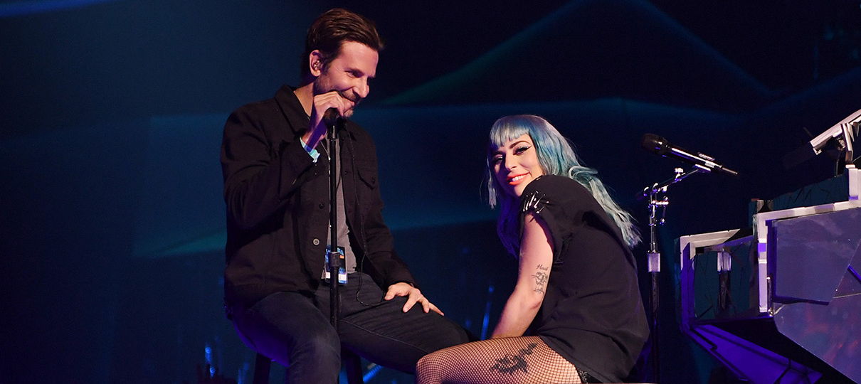 Nasce Uma Estrela   Lady Gaga e Bradley Cooper cantam Shallow ao vivo pela primeira vez