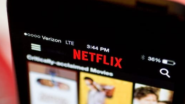 Arrasta pra cima! Agora é possível recomendar filmes e séries da Netflix no seu stories