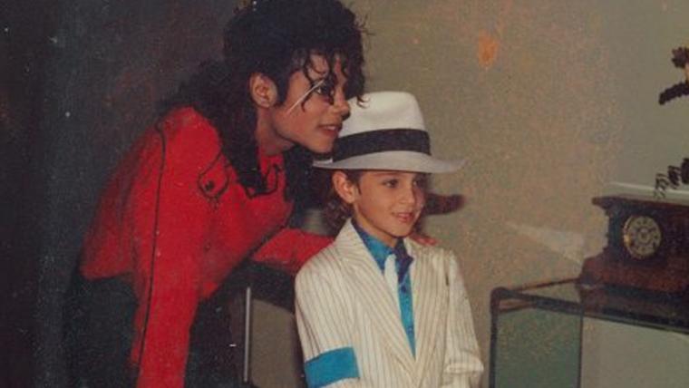 Documentário polêmico explora acusações de abusos de Michael Jackson; veja o trailer