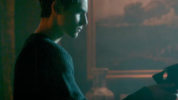 Gotham   Novo trailer mostra máscara do Batman e confronto com Jerome