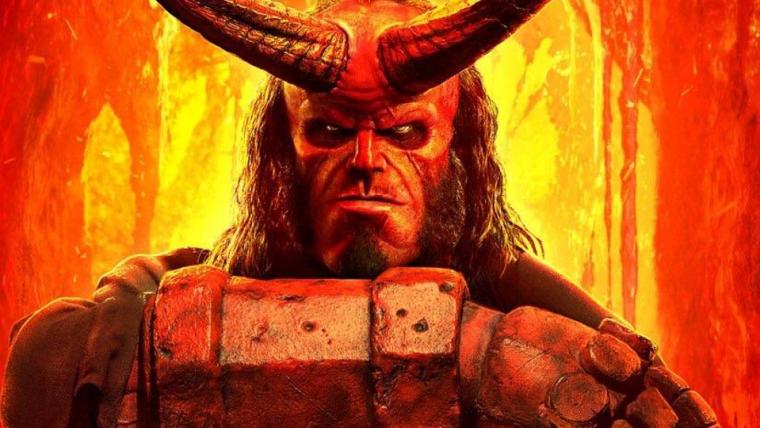 Hellboy empunha a Excalibur em novo cartaz do filme