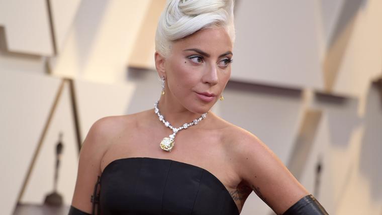 Lady Gaga usou colar de diamante lendário durante o Oscar 2019