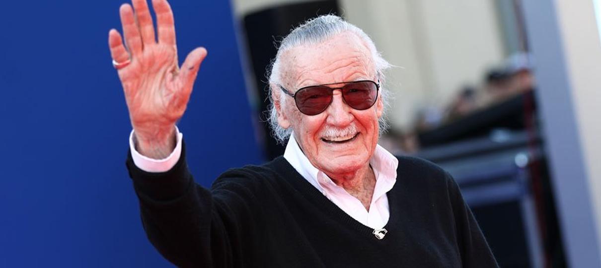 Capitã Marvel começa com uma homenagem a Stan Lee