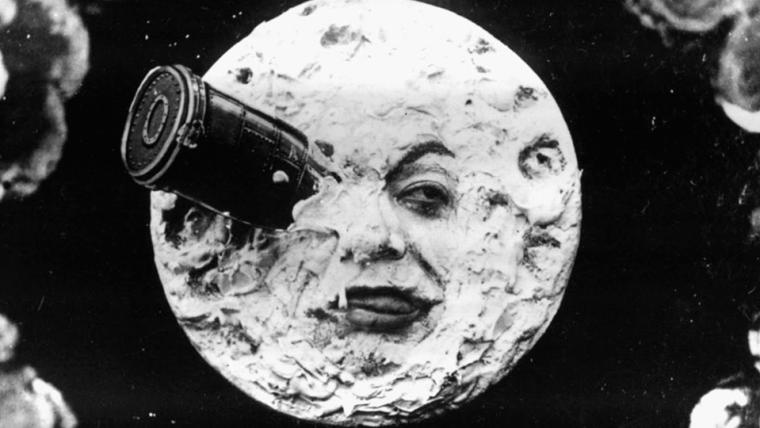 Admiradores do lendário cineasta George Méliès vão se juntando para reparar seu tumulo