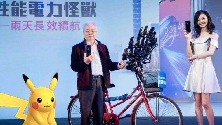 Taiwanês que jogava Pokémon Go em 12 celulares virou porta-voz de uma marca de tecnologia