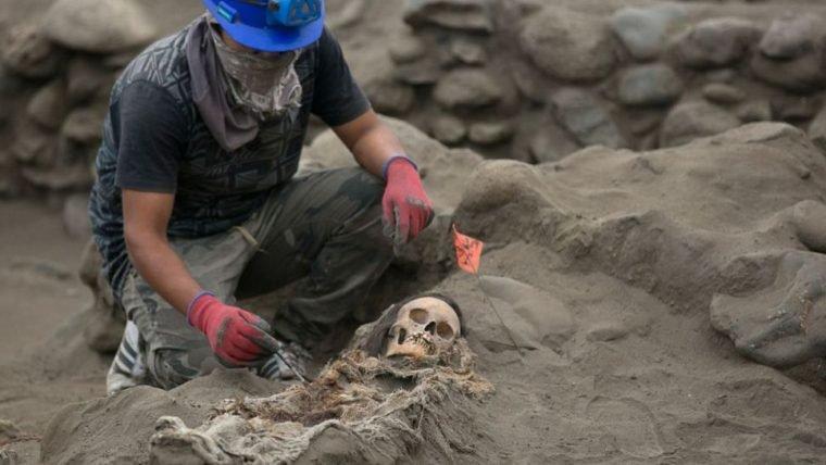 Pesquisadores descobrem que sítio arqueológico no Peru servia para sacrifícios de crianças