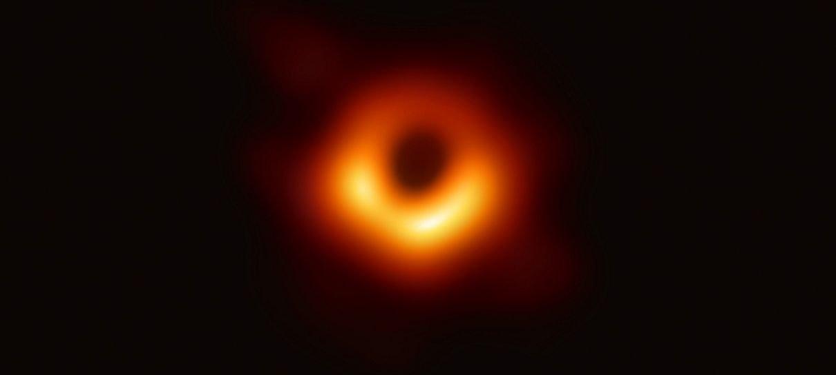 Astrônomos divulgam a primeira imagem de um buraco negro
