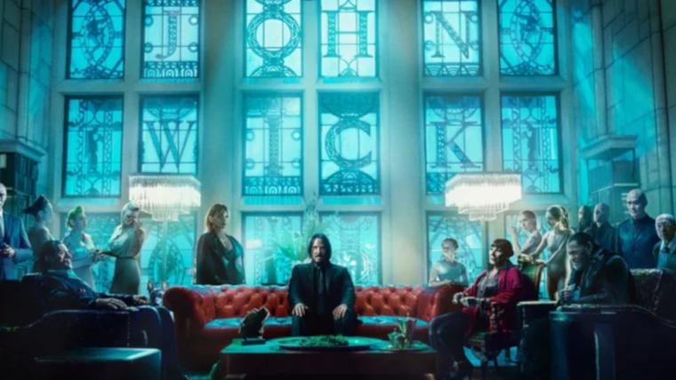 John Wick 3: Parabellum | Personagens se reúnem em uma sala de vitrais em nova imagem