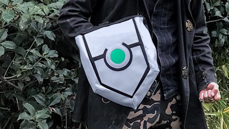 Seja o Herói do Escudo com essa mochila inspirada em The Rising of the Shield Hero