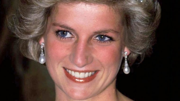 The Crown | Netflix anuncia Emma Corrin como princesa Diana